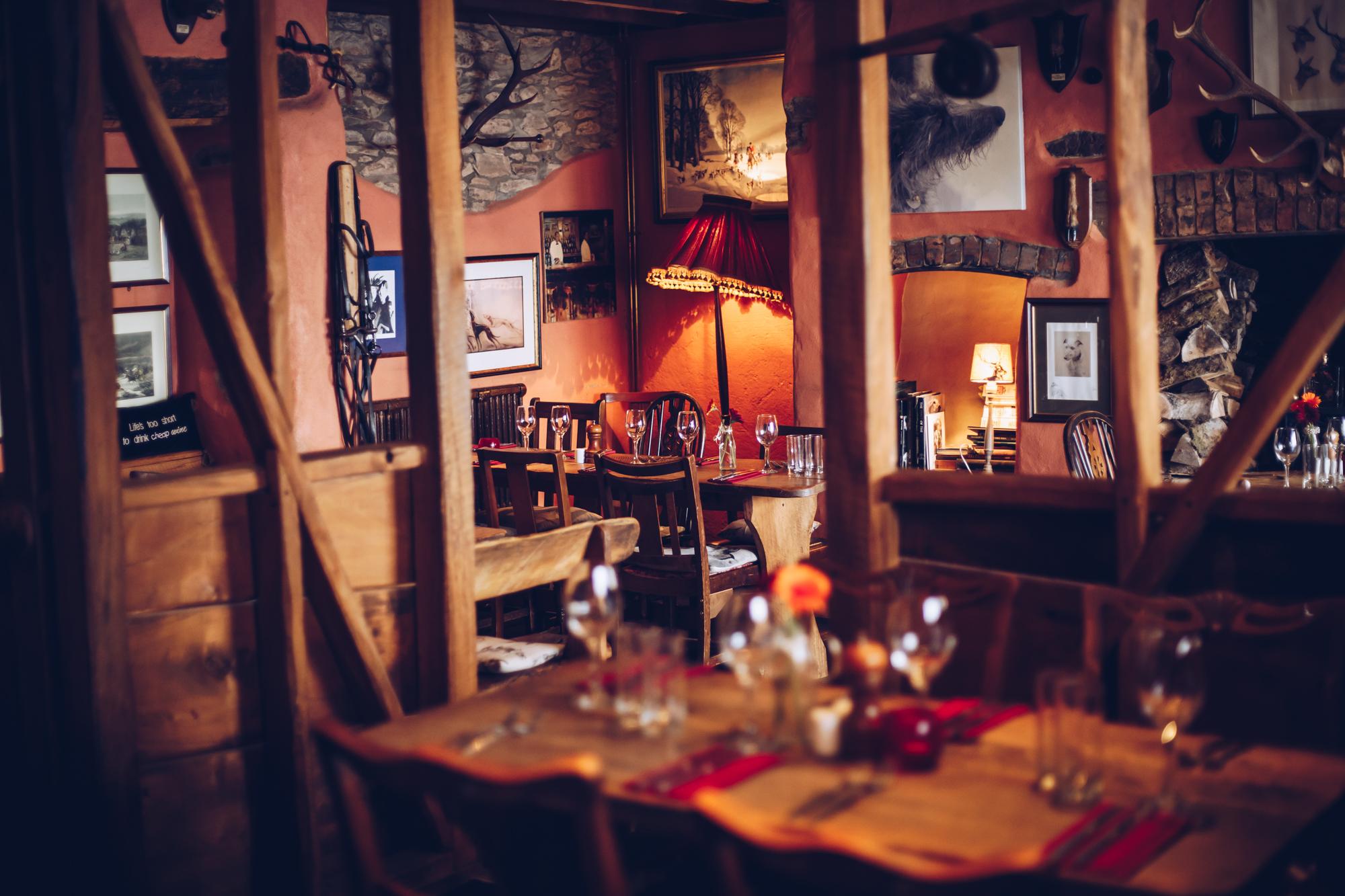Woods Bar and Restaurant